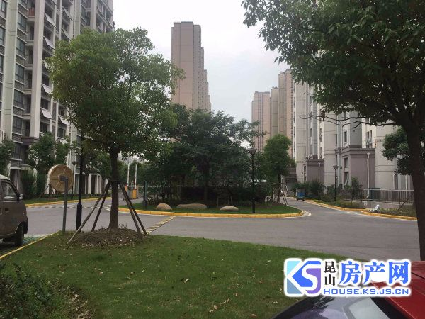 张浦锦尚花园全新简装,楼层位置佳,房东自住,保养好,诚心出售价格可谈