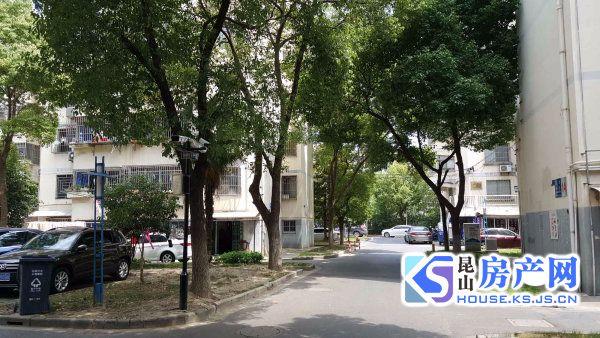 玉龙东村底楼住宅,适合老人居住及办公