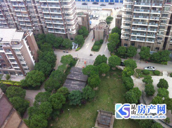 康城花园,精装3房,康城稀缺户型,房东诚心,租金2400,看房随时