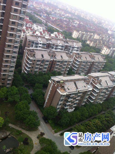 康城花园 南北通 双阳台 精装自住 保养好 106平200万 急