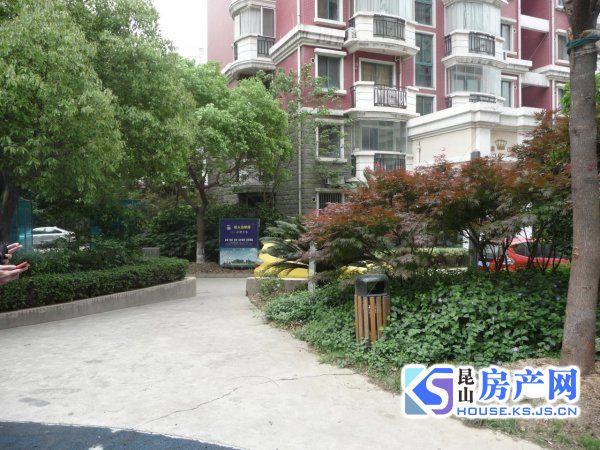 皇家花园精装大2房 学区未用,房东诚心出售,看房方便!