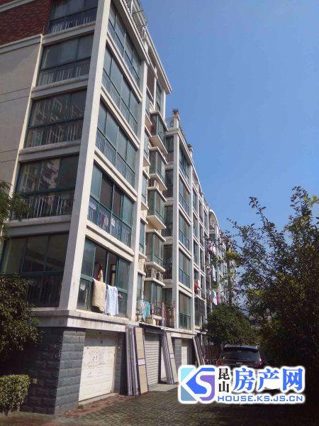 城北小三房,电梯景观楼层,通透户型满二年,学区都未用。