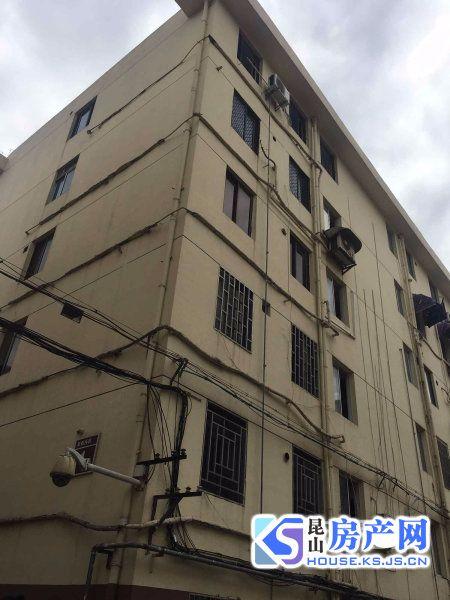 出售集街西村,5楼边套二中一中心学区可以用,随时看房小区位置好。