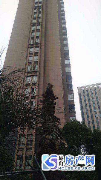 翡翠名都,70年产权的一手房,内部价,金鹰国际旁边,地铁口,