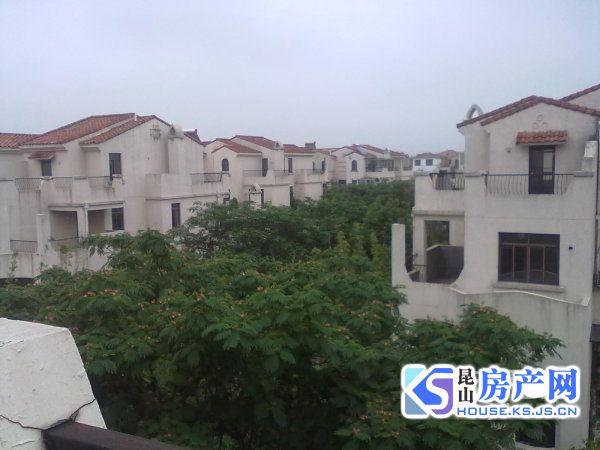 锦绣蓝湾 联排别墅 婚房装修 满五年 南花园六十平 房型好