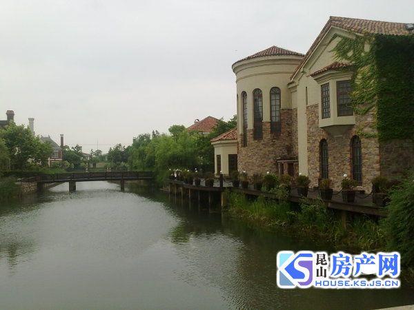 买天使湾别墅找我,阳澄湖附近别墅,天使湾大独栋,急售,纯毛坯看房方便。