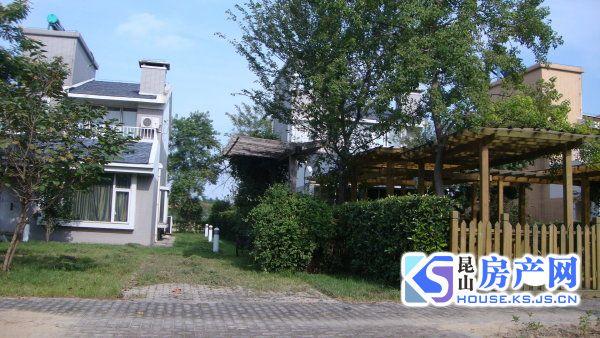 太阳岛高尔夫别墅 稀缺小独栋 前后双花园 采光佳 景观好 看房有钥匙 多套在售
