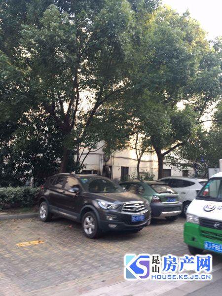 长江绿岛精装大两房 可做三 目前三房已改好