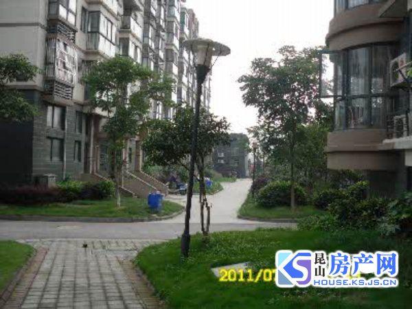 西苑新村:金鹰商圈,交通方便
