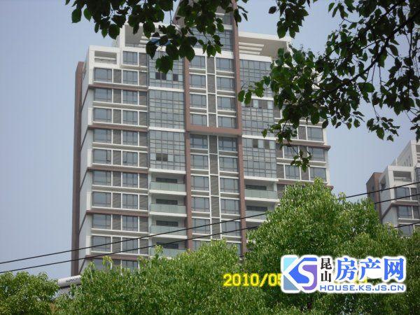 金鹰商圈珠江新村景观楼层全新毛坯稀有房源看房随时。