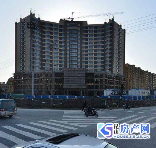 宝城国际大厦 窗户朝东 写字楼 两间打通93平 100万!